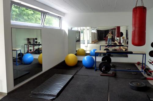 Spiegel Fitnessraum rrk 08 bau eines trainingsraums 2013